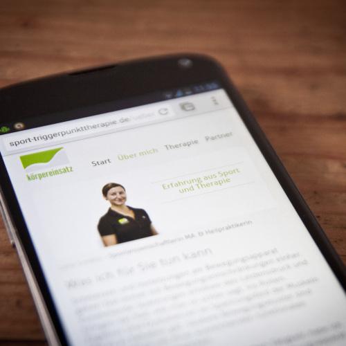 Körpereinsatz Webdesign Smartphone